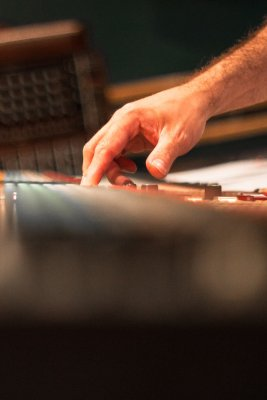 Mixer larp music, session studio
