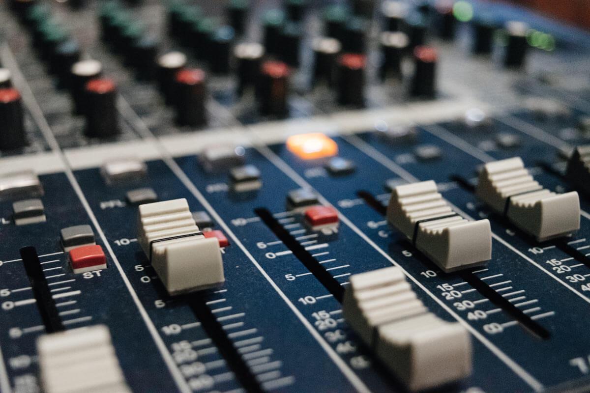 mixer larp music